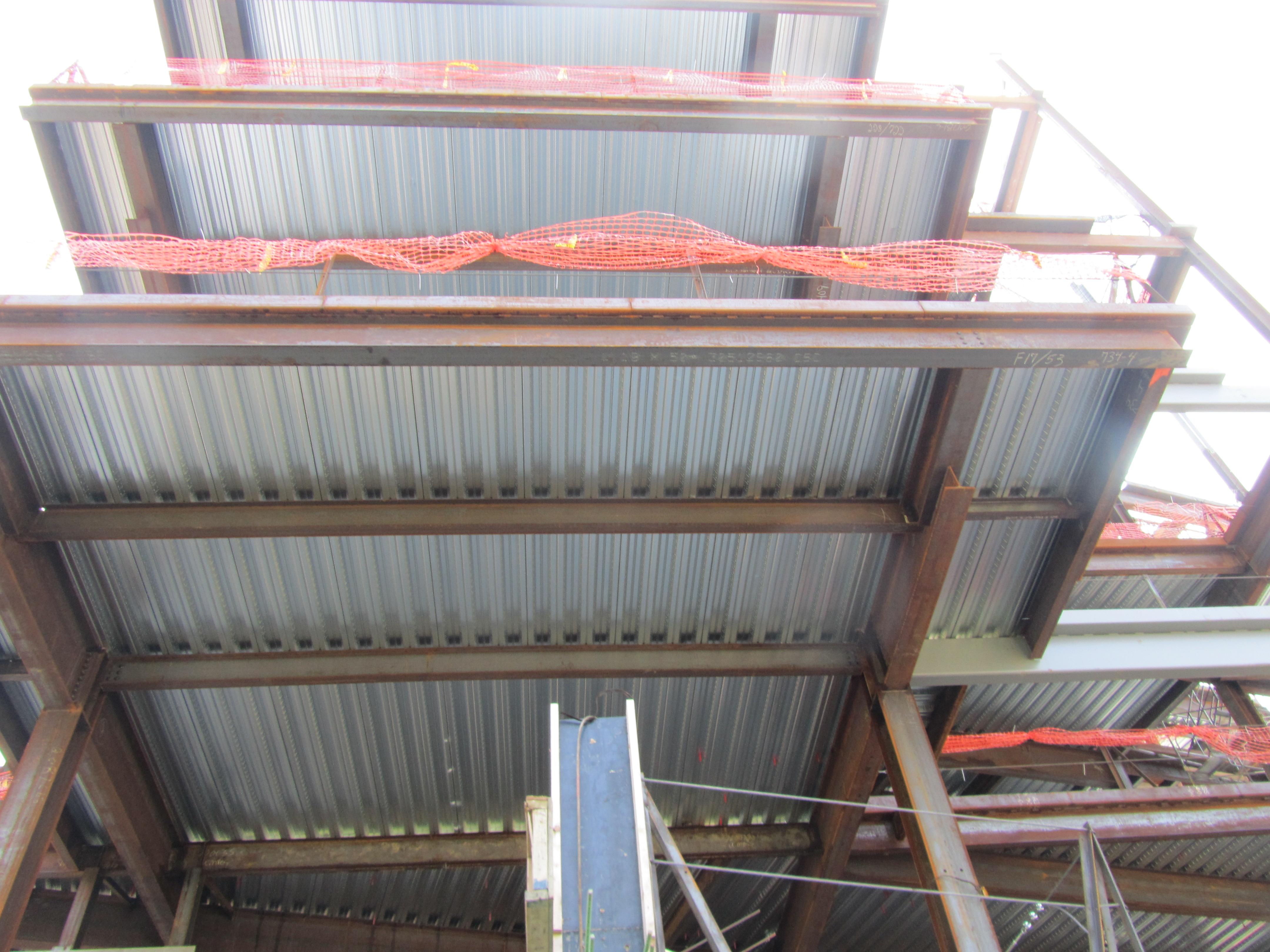 Steel Decking Slab : Science center deck