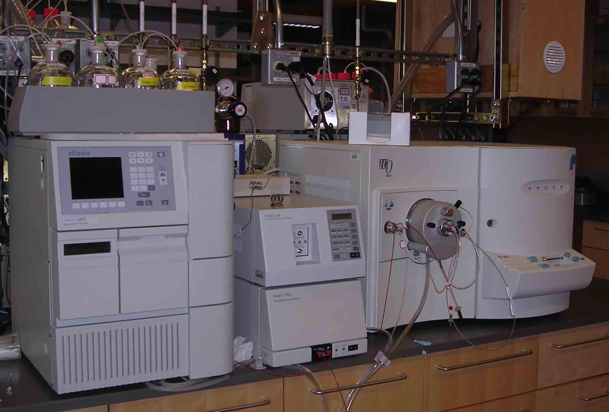 lcms machine